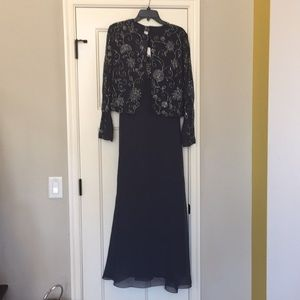 Dresses & Skirts - Gray dress